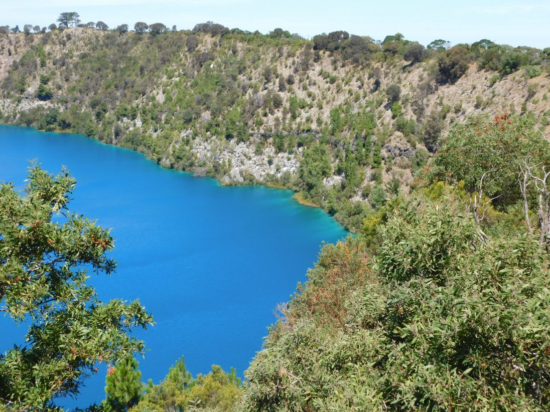 Blue Lake Mt Gambier edge