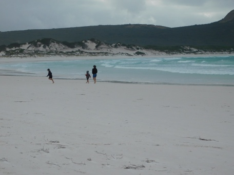 Esperance Lucky Bay beach walk