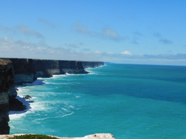 Nullabor G-A-Bight cliffs