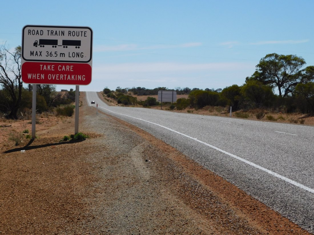 sign road train 36m