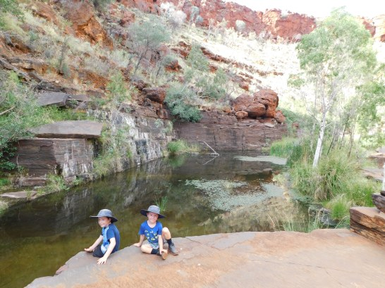 Karijini lach and Cam gorge walking