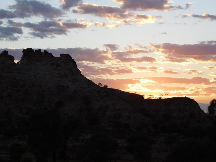Chambers Pillar-sunrise (2)