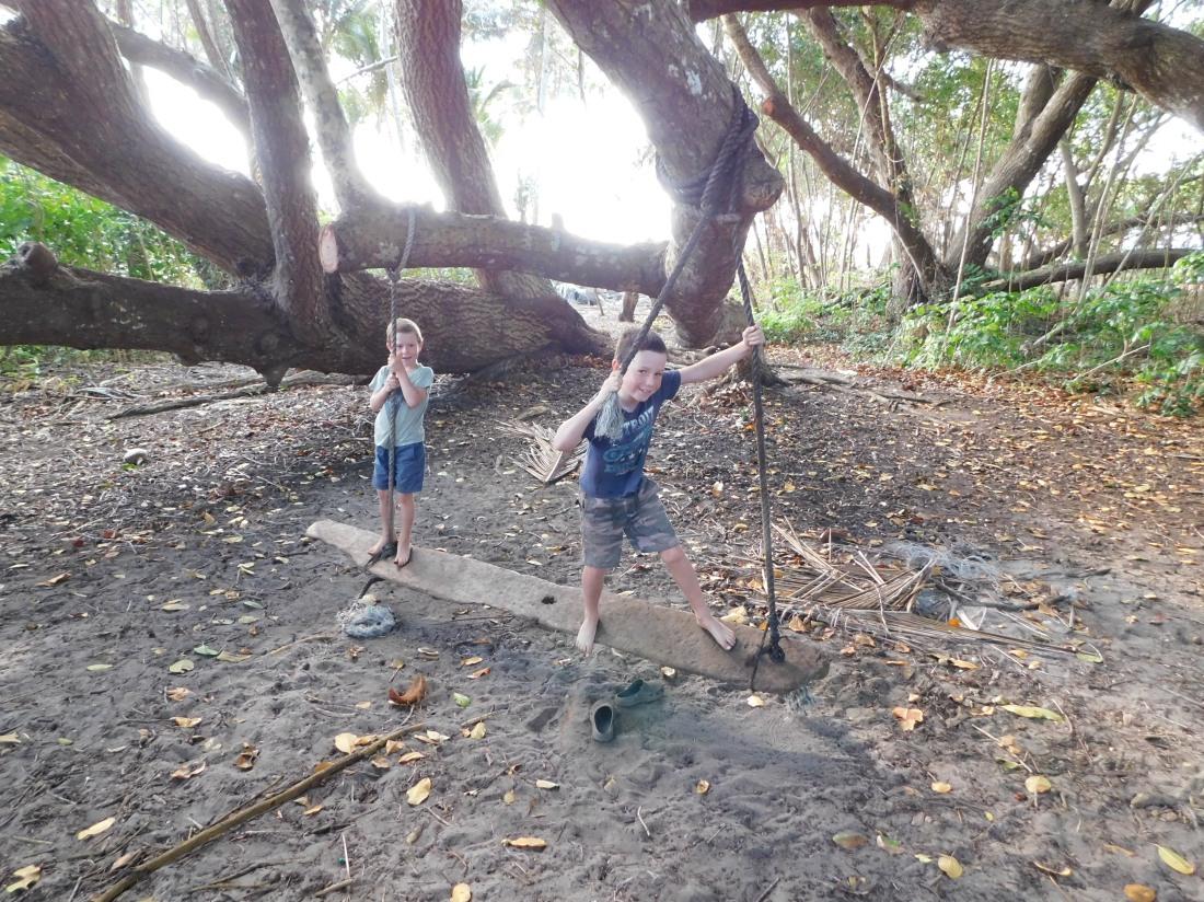 Chilli Beach Camp - Swing