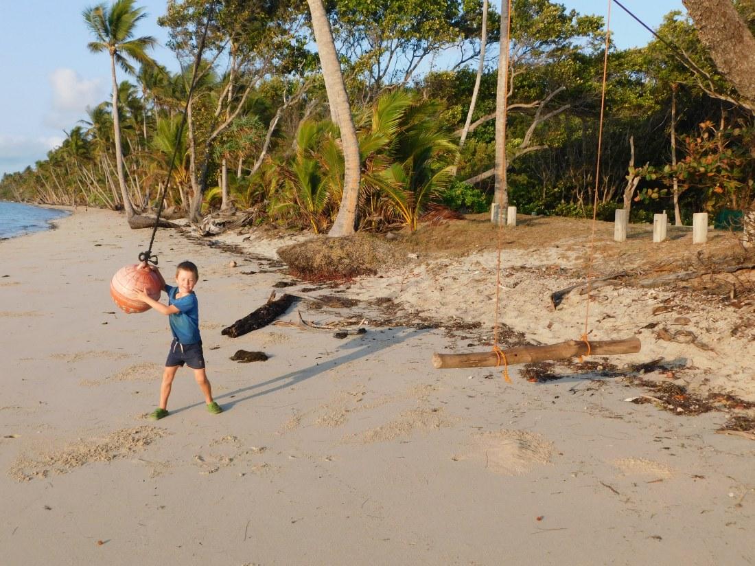 Chilli Beach - rope swings