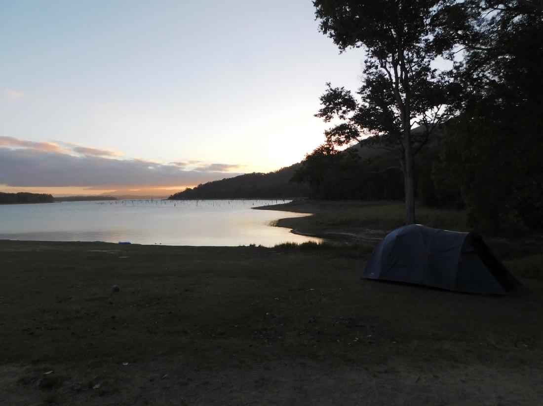 Tinaroo Dam Camp